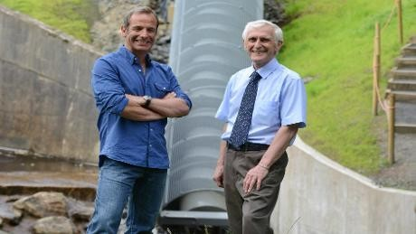 Robson_Green_and_the_new_Archimedes_Screw_at_Cragside_Budle_Bay_Croft